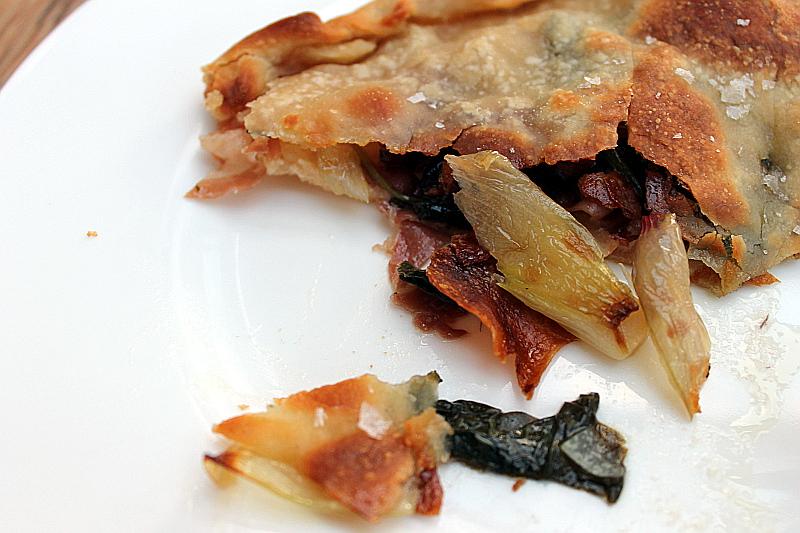 Foccacia mit Spinat und Oliven