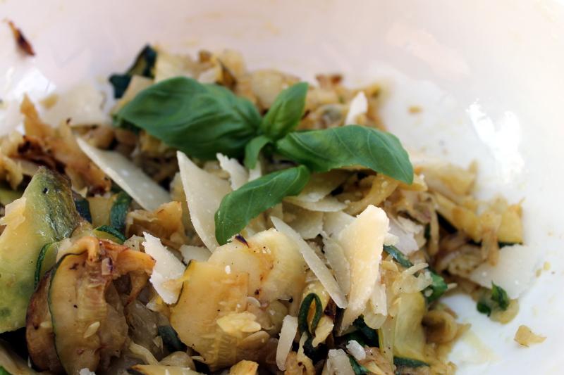 Fenchel-Zucchini-Salat mit Parmesan