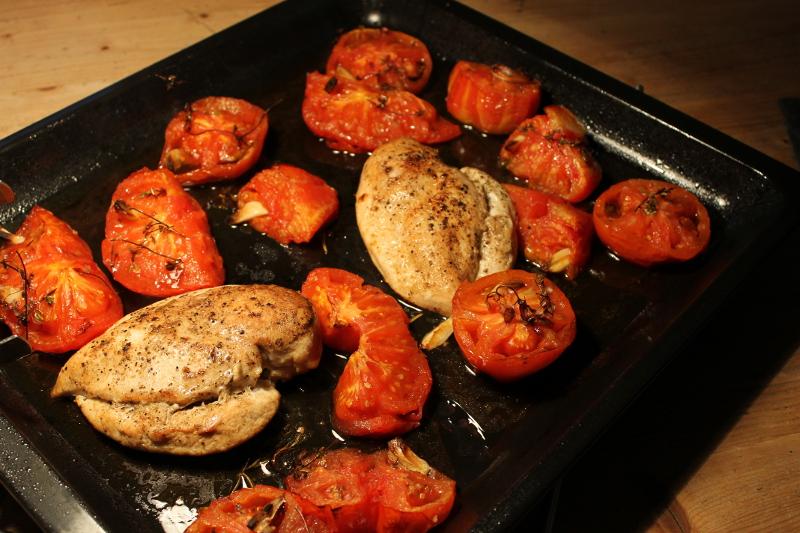 Ofentomaten mit Hühnerbrust